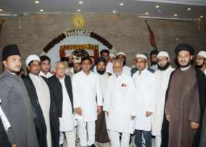 यूपी के मुख्यमंत्री के दिवाली के बधाई देत  मुस्लिम धर्मगुरू आ नेता
