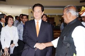 विएतनाम के प्रधानमंत्री  नुएन तन जुंग  संगे बिहार के मुख्यमंत्री जीतन राम माँझी
